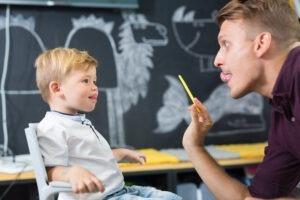 Sprachschwierigkeiten bei Kindern