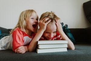 Kind nicht still sitzen und ruhig